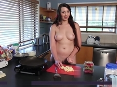 Jada Nude Muse Cooking