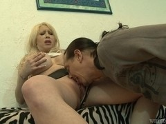 Blonde with big tits does professional blowjob to lover