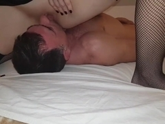 I love facesitting and cumshot on my face