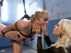 Lea Lexis & Lorelei Lee in Eager To Please - Electrosluts