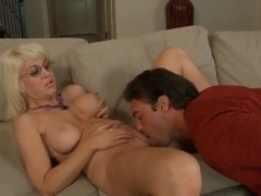 Rocco Reed sticks a gun into Sindi Star