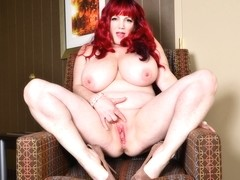 Mature BBW Roxee Robinson needs that heavenly feeling