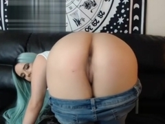Blue Haired Chick Shows off Her Pussy