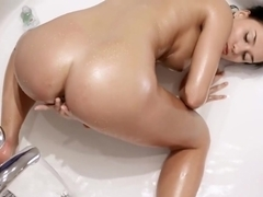 Victoria Sweet going for the orgasm