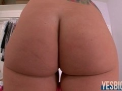 Buttlicious Jamie Jackson moans it out loud while boned hard