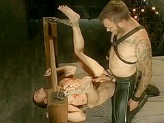BDSM bondage gay boy is fucked and milked Boese Buben Berlin