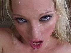 Nicki Hunter pleasing two cocks at the same time