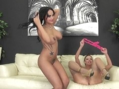 Britney Amber & Kimberly Kendall in Lesbian Live action with Britney and Kimberly - WildOnCam