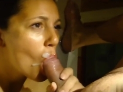 Amateur facial porn starts with the slut sucking a dick