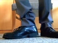 WEARING WELL-WORN DRESS SHOES WITH AND WITHOUT DRESS SOCKS