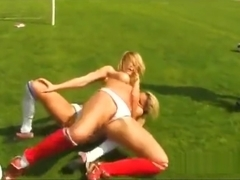 FC Paula Vs Anessa Outdoor CatFight
