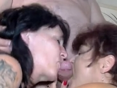 Messy mature gangbang with cunt and ass fucking