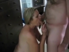 Hot wife and hubby enjoy a large cock