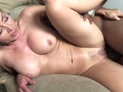HOT mommy Lisa WMGB