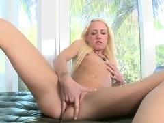 Skinny blonde Alexia Sky fignets her tight muff