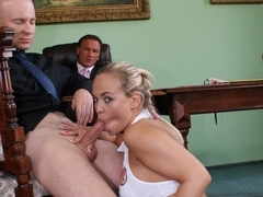 Mia Leone gets a good pounding in her puss