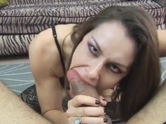 Teen eat mompussy until she squirt
