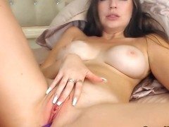 Cute Blonde Toying Her Sweet Pussy live