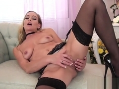 Beauty Mother Elegant Eve Fucking Hot Touching Son's Friend
