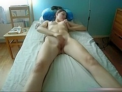 Long Legged Legal Age Teenager Rubs Her Vagina On Her Bed And Receives An Large O
