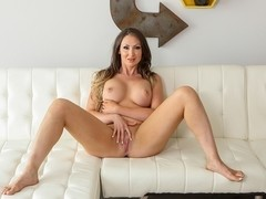 Yasmin Scott in Luscious Tits Nuru Massage Video