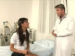 Brunette seduces doctor