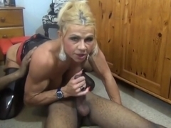 Muscle Milf More fun with my BBC