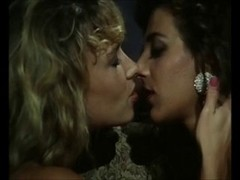 Deidre Holland lesbo act on the bed