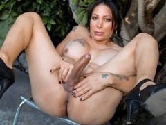 Samantha Gets Naked In Buddy's Back Yard  - TGirl40