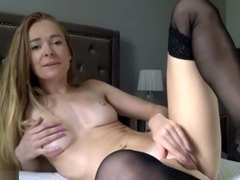 Dirty Talking Chick Masturbates