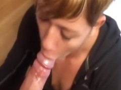 My gf gets a cum blast in her mouth