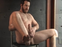 Big dicked muscle cub solo