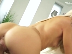 Elsa Jean - Wake Up And Fuck Me