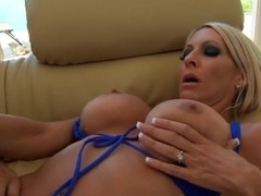 Amazingly hot mom Emma Starr seduces younger guy