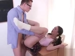 College Hoe Arwen Gold Gets Serviced By Tutor