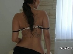 Czech hottie Bella Diamond is finger banging her wet twat