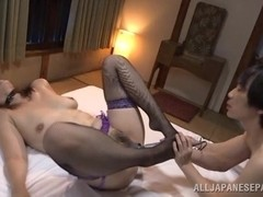 Chisato Shohda sexy Asian babe plays slave in group action